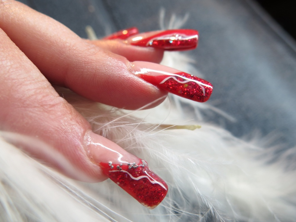 MODELAGE D ONGLES version Pose Artistique : French rouge, Nail Art abstrait et one stroke (4/6)