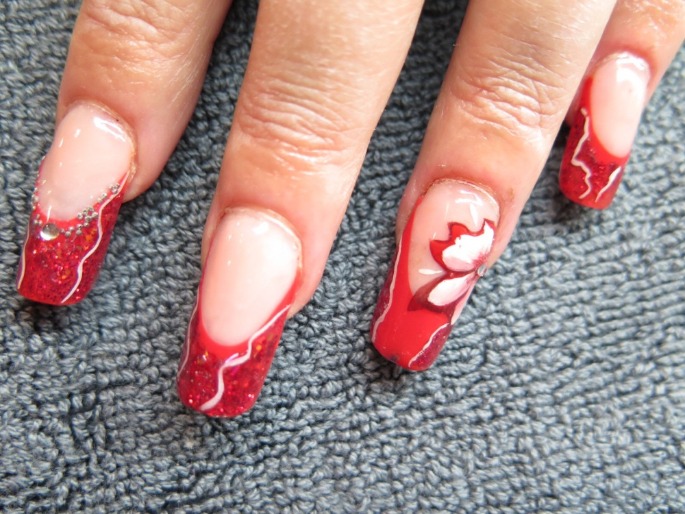 MODELAGE D ONGLES version Pose Artistique : French rouge, Nail Art abstrait et one stroke (2/6)